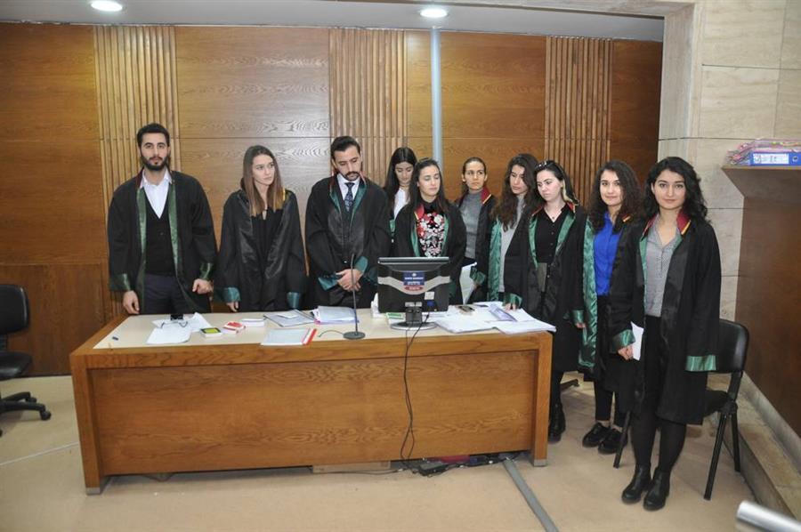İzmir Barosu Staj Eğitim Merkezi Kurgusal Duruşma Çalışması Yapıldı