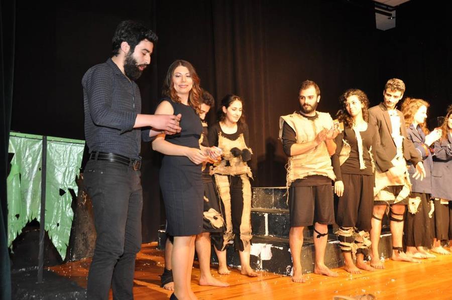 İzmir Barosu Tiyatro Topluluğu Yeni Oyunlarını Sergiledi