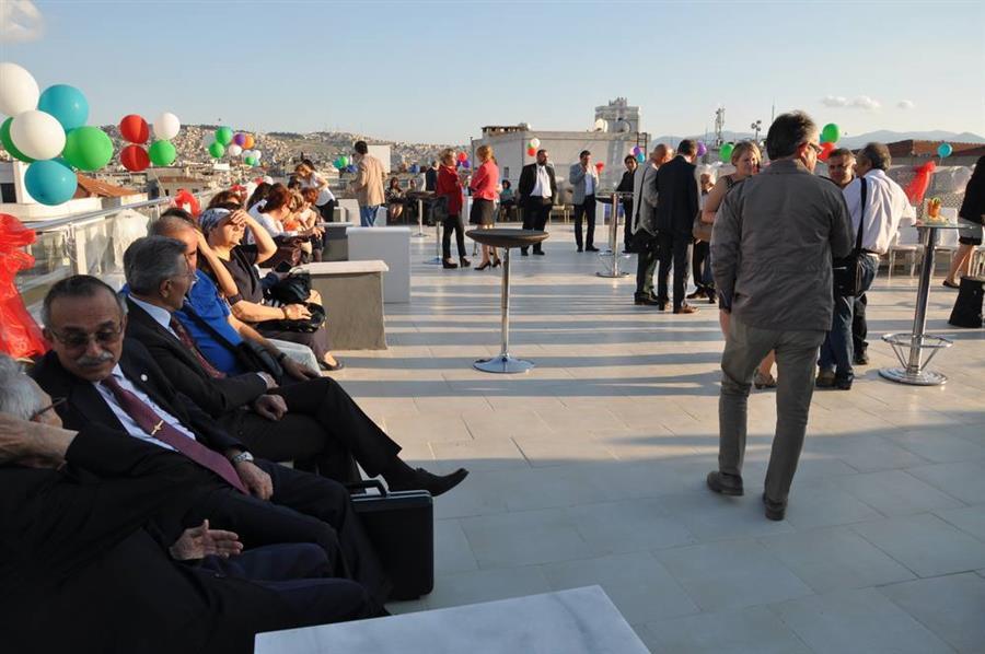 İzmir Barosu Yenilenen Hizmet Binasının Açılışı Yapıldı