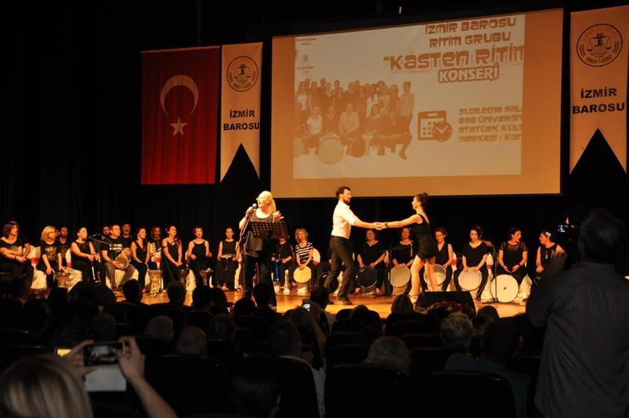 İzmir Barosu Ritim Grubu Kasten Ritim 3. Gösterisini Gerçekleştirdi