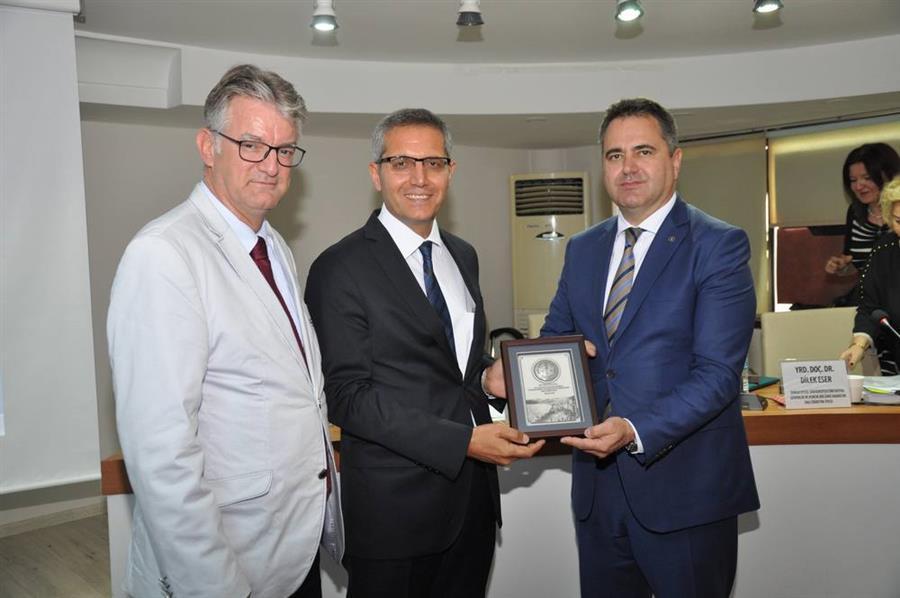 İzmir Barosu İş Hukuku Günlerinin Beşincisini Düzenledi