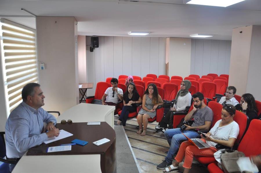 Kapatılan Üniversitelerden Öğrenciler İzmir Barosu'nu Ziyaret Etti