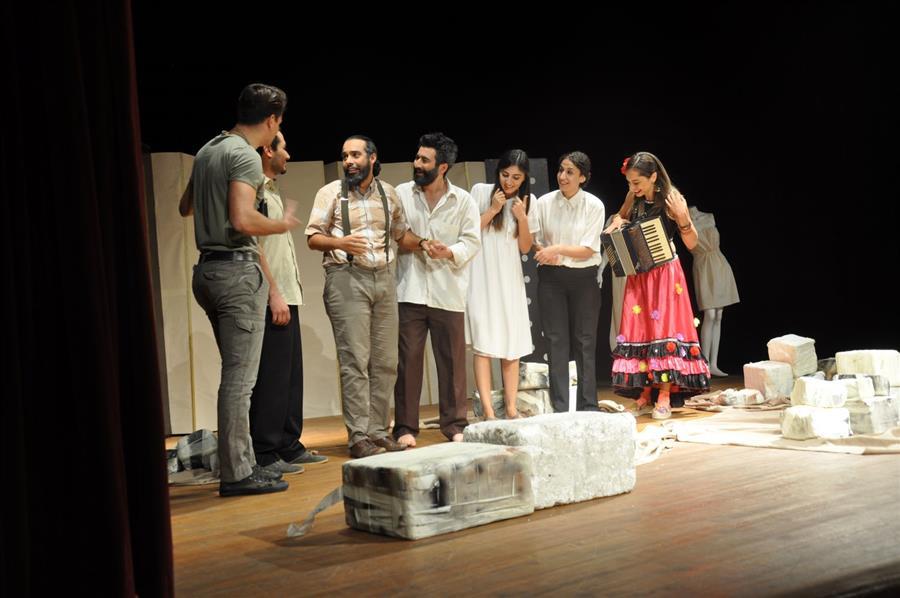 İzmir Barosu Tiyatro Topluluğu İzleyici İle Buluştu