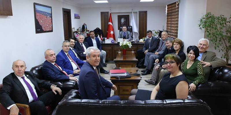 Av. Prof. Dr. Metin Feyzioğlu Başkanlığındaki TBB Heyeti İzmir Barosu'nu Ziyaret Etti