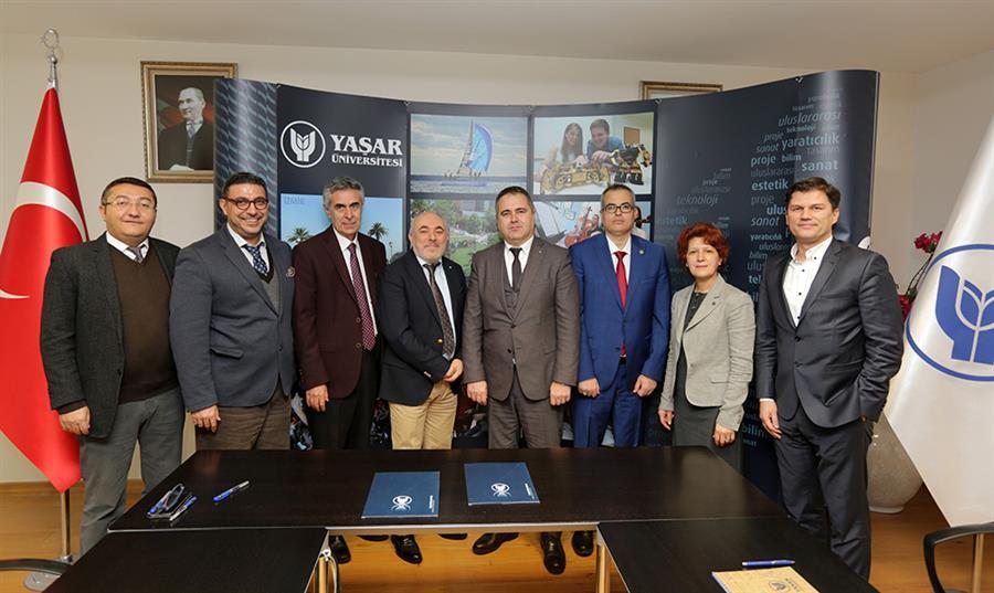 İzmir Barosu ve Yaşar Üniversitesi Eğitim Alanında İşbirliğine Gitti