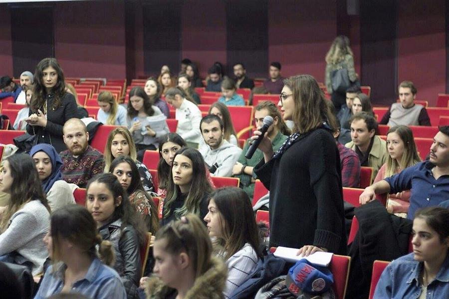 İzmir Ekonomi Üniversitesi'nde Avukatlık Stajı Prosedürü Konferansı Düzenlendi