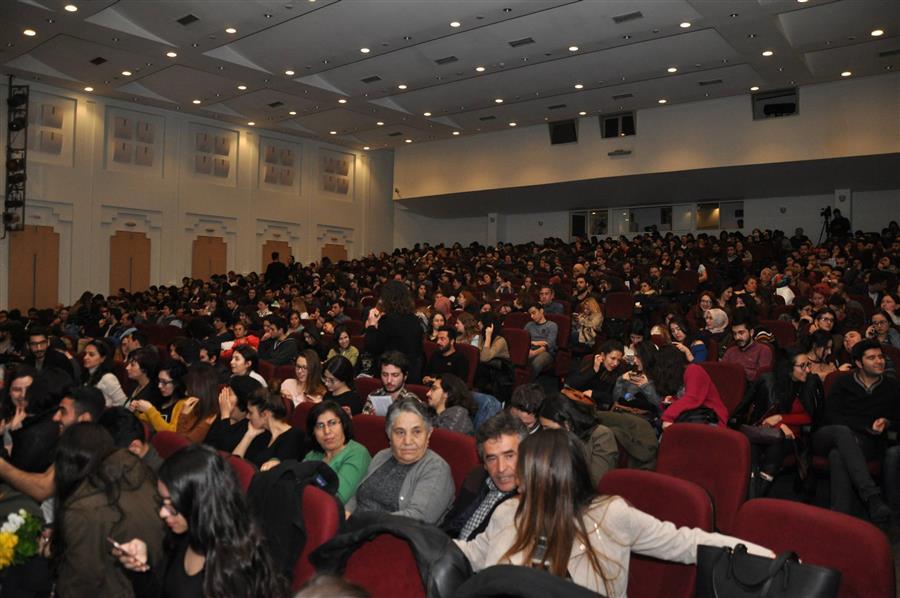 İzmir Barosu Tiyatro Topluluğu Hayvan Çiftliği'ni Sahneledi