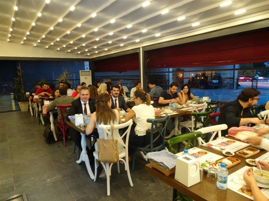 İzmir Barosu Genç Avukatlar Meclisi Tarafından İftar Düzenlendi