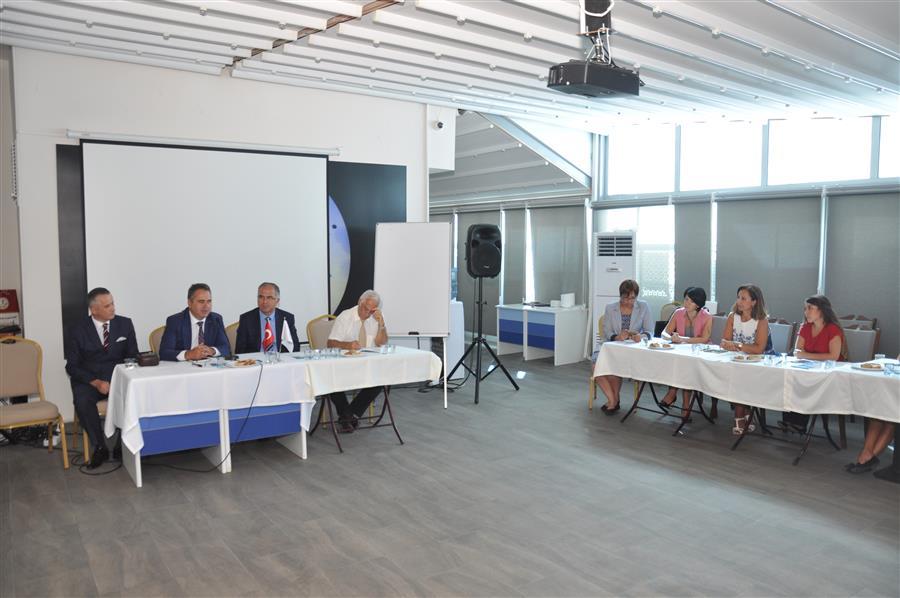 Adli Görüşme Odaları İzmir Barosu'nda Düzenlenen Toplantıda Tanıtıldı