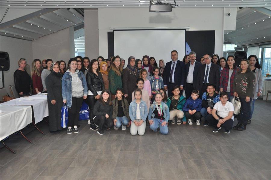 Batı Trakya'lı Soydaşlarımız İzmir Barosu'nu Ziyaret Etti
