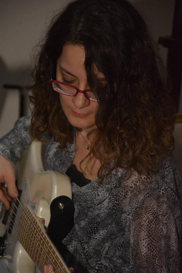Şiir ve Şarkılarla Kadın Mücadelesi Anıldı