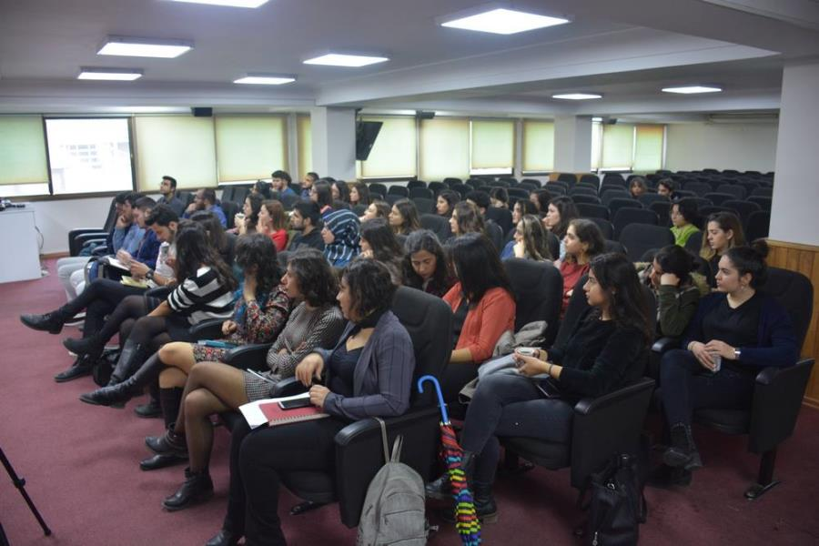 Hukuk Fakültesi Öğrencileri İle Toplumsal Cinsiyet Bakış Açısı İle Kadın Hakları Forumu gerçekleştirildi