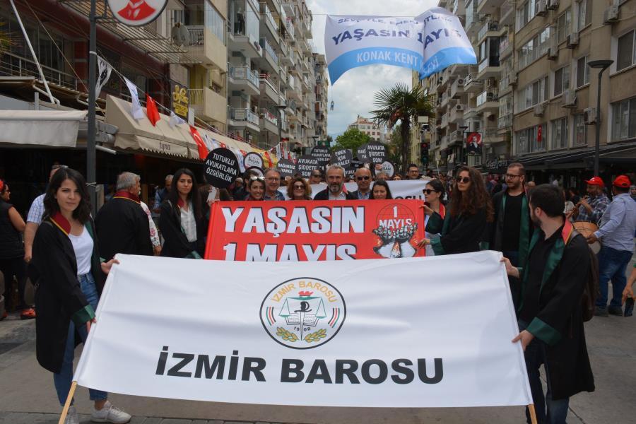 İzmir Barosu 1 Mayıs Alanı'ndaydı