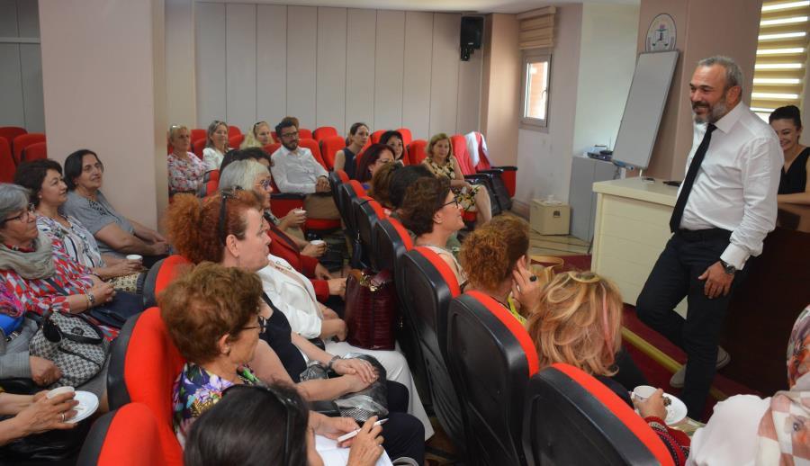 Ege Kadın Buluşması Bileşenleri İzmir Barosu'nu Ziyaret Etti.
