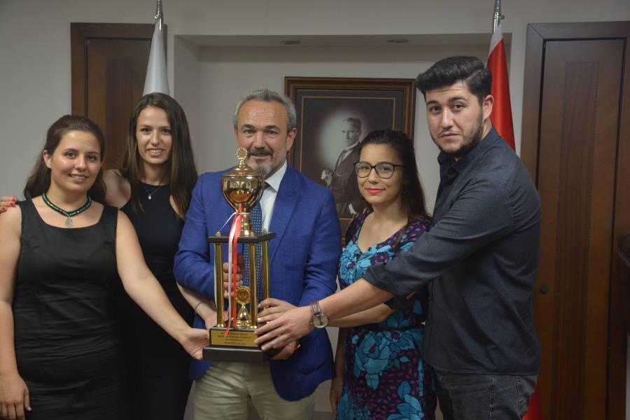 Stajyerlerimizin Kupası İzmir Barosu'nda