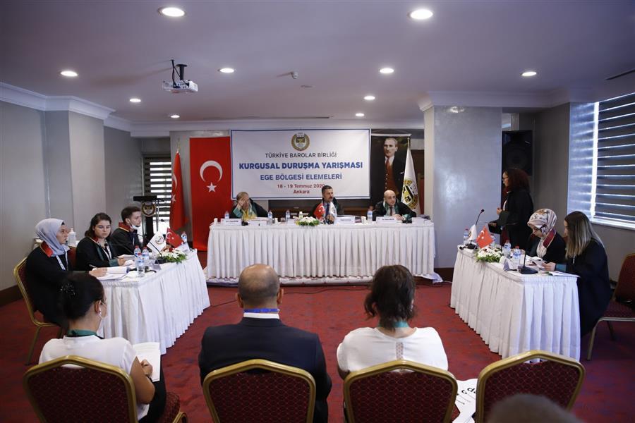 Türkiye Stajyer Avukatlar Kurgusal Duruşma Yarışması'na Katılan İzmir Barosu Üyesi Stajyerler Baromuzu Ziyaret Etti