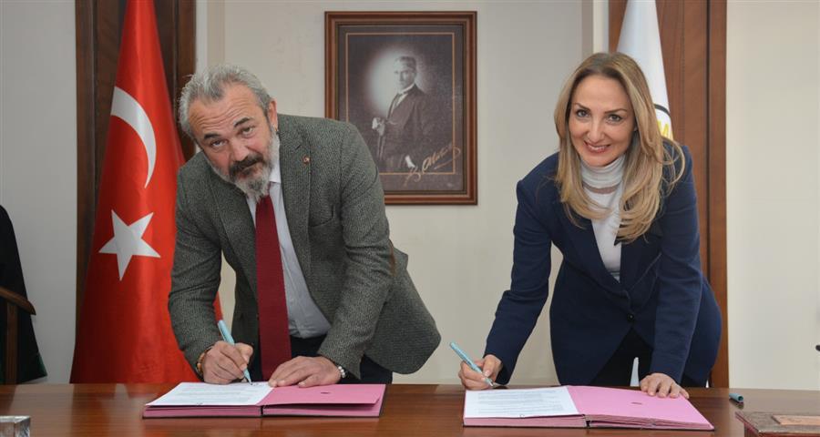 İzmir Barosu ve CHP Kadın Kolları Genel Başkanlığı Arasında, Kadına ve Çocuğa Yönelik Her Türlü Şiddeti Önleme Amacıyla Protokol İmzalandı.